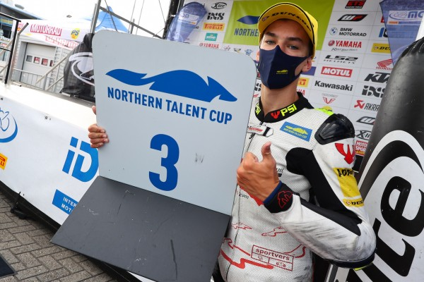 Assen Gurecky podium